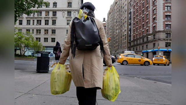 NY governor proposes plastic bag ban