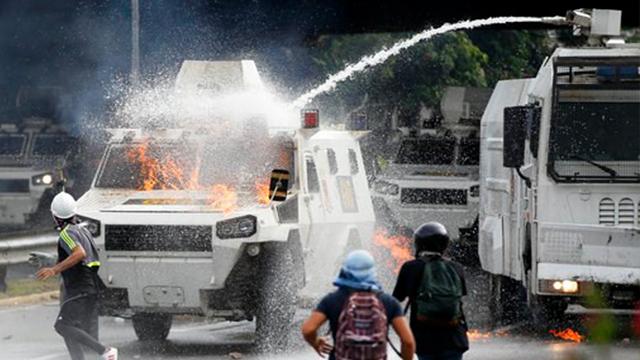 More unrest in Venezuela as president seeks new constitution