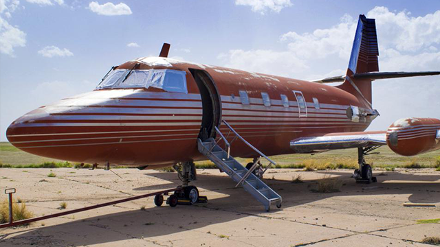 Jet owned by Elvis fetches $430000 at auction