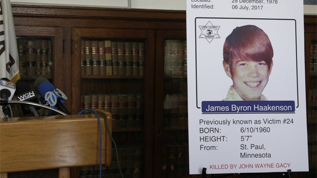 A poster with a photo of James Byron Haakenson, of Minnesota, rests on an easel before a news conference by Cook County Sheriff Tom Dart in Chicago, Wednesday, July 19, 2017. (AP Photo/G-Jun Yam)
