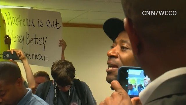 Protesters interrupt mayor's presser to call for her resignation (long)