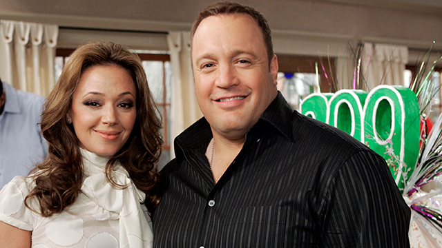 "Cast members Leah Remini and Kevin James celebrate the upcoming 200th episode of the CBS situation comedy ""The King Of Queens"" on the set at Sony Studios in Culver City, Calif., Thursday, Jan. 25, 2007. (AP Photo/Reed Saxon)"