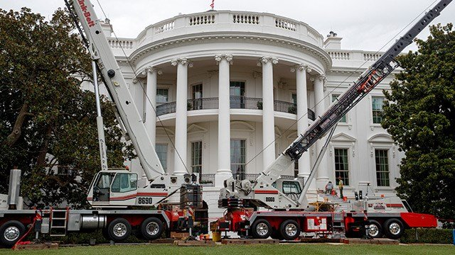 White House Gets a Face-Lift While Trump's Out of Town