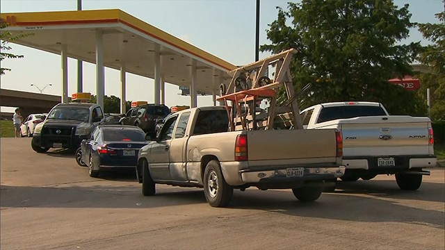 Hurricane Harvey affecting local gas prices before holiday weekend