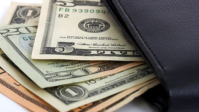 Census Bureau: Median Incomes Climbing for First Time Since 2007