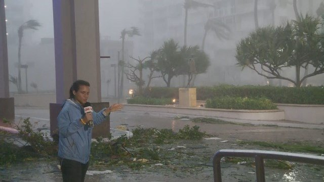 Fierce winds as Maria makes landfall