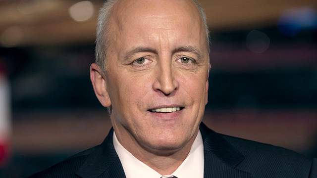 """This April 4, 2011 image released by NBC Universal shows announcer Dave Strader for """"NHL on Versus,"""" in New York. Strader died Sunday, Oct. 1, 2017, at his home in Glens Falls, N.Y., after battling bile duct cancer for over a year. He was 62. (AP Photo)"""