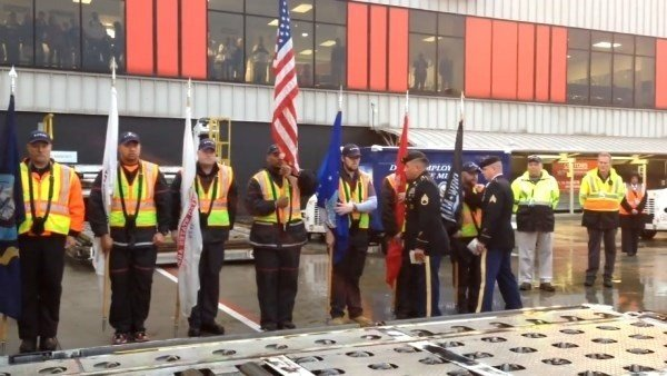 s a fallen soldier's body returned to Georgia through Hartsfield-Jackson Atlanta International Airport, passengers on the plane wanted to sing the national anthem as a tribute.  (WGCL)