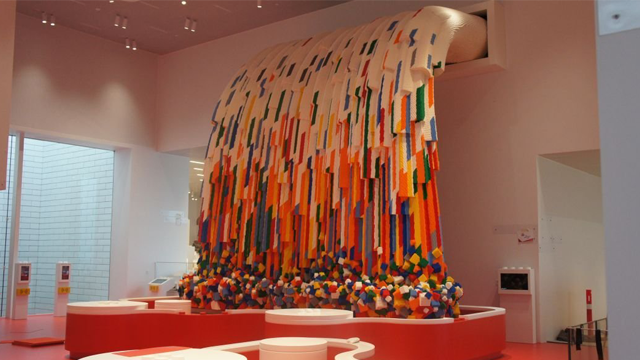 Denmark is now home to 12,000-square meter house filled with 25 million colorful LEGO bricks. (Photo: CNN, Lego)