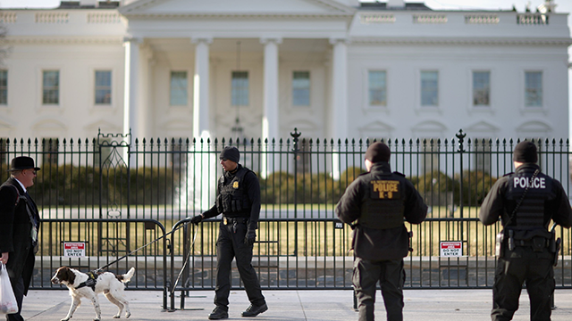 """(Source: CNN) The Secret Service arrested a man near the White House on Monday, after they had been told to be on the lookout for a man who allegedly threatened to kill """"all white police"""" there."""