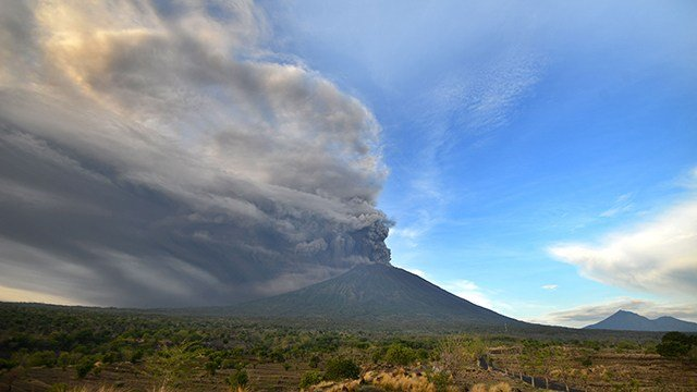 Volcano on party island erupts for second time in a week