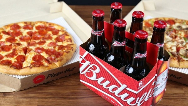 Pizza Hut is Rolling Out Beer and Wine Delivery