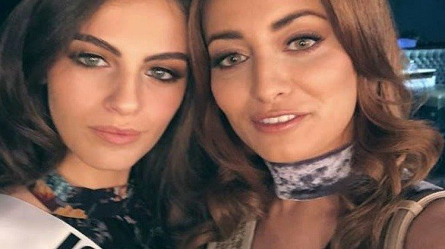 Contestants Miss Iraq, Sarah Idan (R), and Miss Israel, Adar Gandelsman (L), pose together for a selfie during preparations for the Miss Universe 2017 beauty pageant in Las Vegas, United States, Nov. 13, 2017. (Photo: Sarah Idan/Social Media)