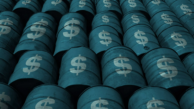 Oil prices off 2015 highs, but market remains tight