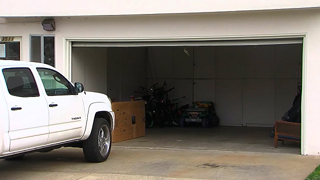 Residents told to keep garage doors open or face $200 fine