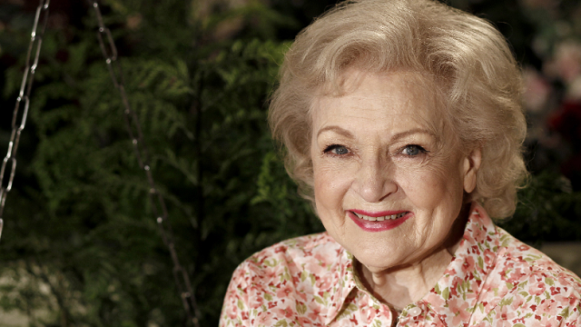 "In this June 9, 2010 file photo, actress Betty White poses for a portrait on the set of the television show ""Hot in Cleveland"" in Studio City section of Los Angeles. (AP Photo/Matt Sayles)"