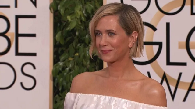 (Source: CNN) Kristen Wiig on the red carpet before the 2015 Golden Globe Awards in Los Angeles, CA, January 11, 2015.