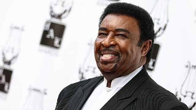 Legendary Temptations singer Dennis Edwards, of Florissant, dies at 74