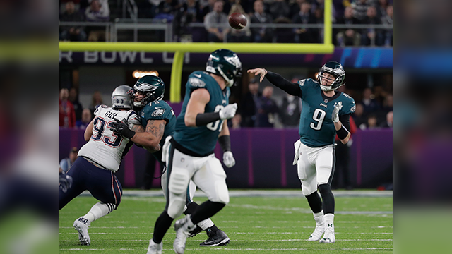 Philadelphia Eagles quarterback Nick Foles (9) throws against the New England Patriots, during the second half of the NFL Super Bowl 52 football game, Sunday, Feb. 4, 2018, in Minneapolis. (AP Photo/Tony Gutierrez)