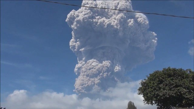 Indonesia volcano erupts, spewing a 5000-metre ash cloud
