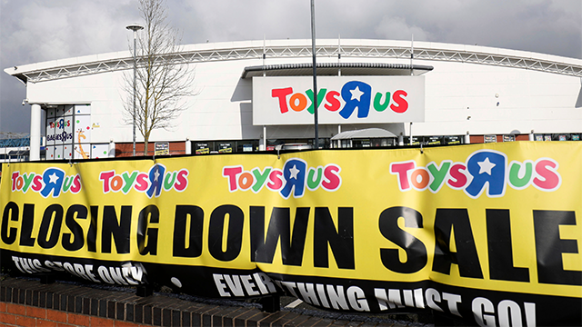 Schumer calls on Toys 'R' Us to refund gift cards with cash
