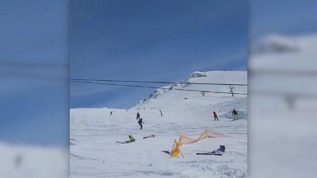 Terrifying ski lift malfunction in Georgia