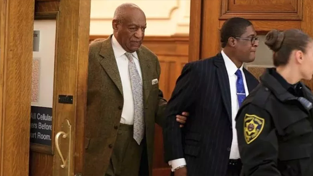 Cosby arrives for 3rd day of retrial