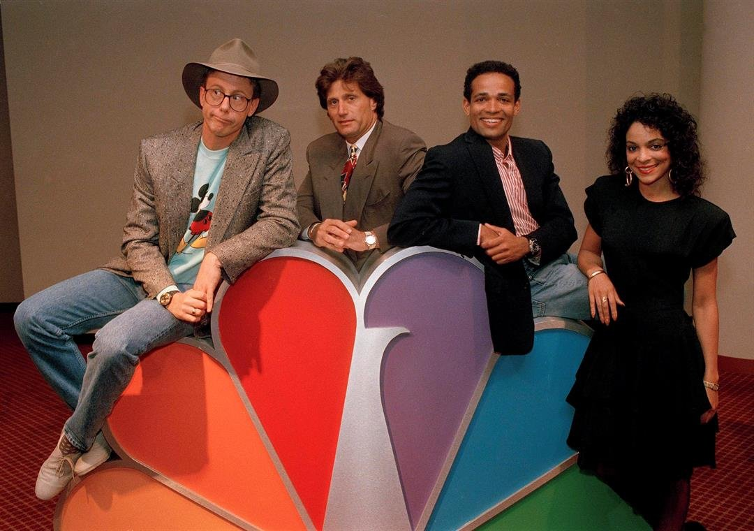 (AP Photo/Richard Drew) Harry Anderson, left, was among the stars posing for photographers after a press conference in New York announcing NBC-TV's prime time line-up for Fall 1988, shown May 19, 1988.