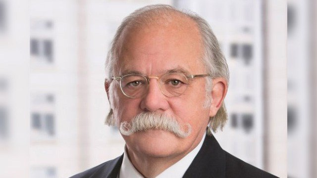 Ty Cobb, Trump's lawyer in Russian Federation probe retiring