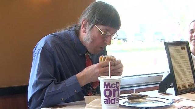 Guinness World Records holder Wisconsin man eats 30000th McDonald's hamburger