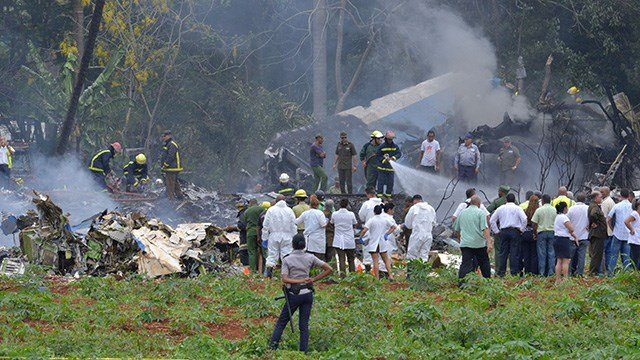 Picture taken at the scene after a Cubana de Aviacion aircraft crashed after taking off from Havana's Jose Marti airport on May 18, 2018. (ADALBERTO ROQUE/AFP/Getty Images)