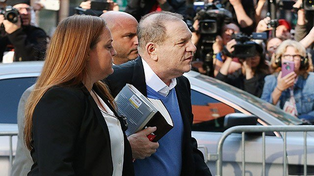 Harvey Weinstein turns himself in to the New York Police Department's First Precinct on May 25, 2018 in New York City. (Getty Images)