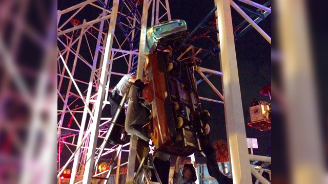 Roller coaster derails, drops 2 riders 30 feet; 6 injured