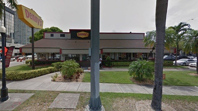 A man with a rifle showed up to this Denny's in Miami, Florida. (Google Maps)