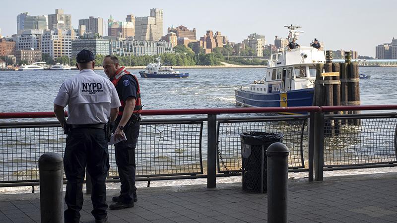 Baby's body pulled from water near Brooklyn Bridge