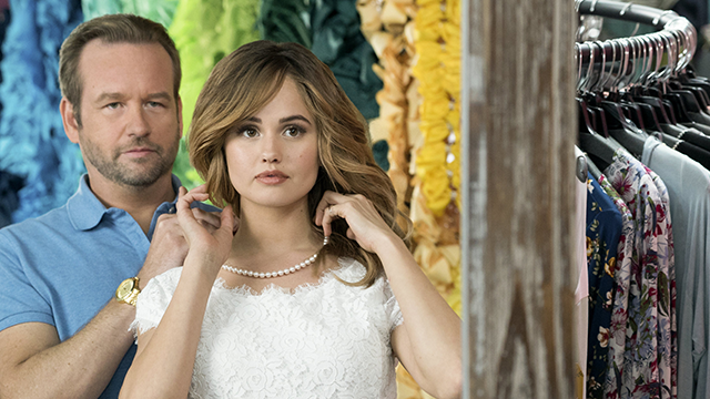Dallas Roberts, Debby Ryan in 'Insatiable' (Annette Brown/Netflix)