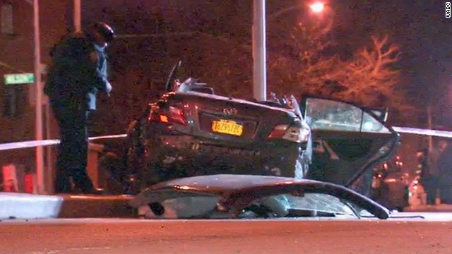 A midnight car crash in New York left two expectant parents dead. The baby was saved by emergency C-section.  (CNN/WABC)
