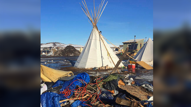 deadline looms for dakota access pipeline protest camp. Black Bedroom Furniture Sets. Home Design Ideas