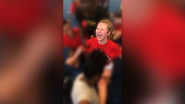 OZELL WILLIAMS Denver Cheer Splits Coach Survives With No Charges