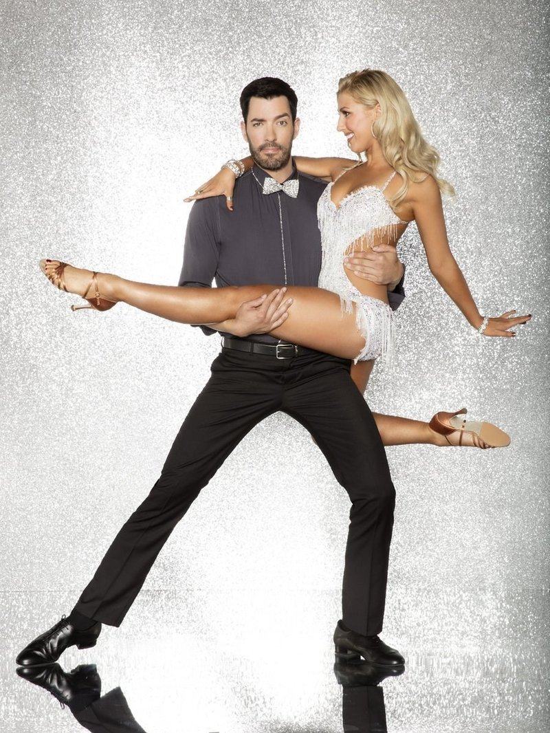 39 dancing with the stars 39 first new cast member of season for Hgtv cast members