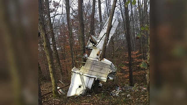 small plane crashes in south