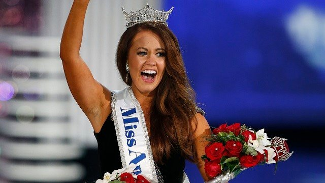 Miss North Dakota Cara Mund waves to crowd after being named Miss America during the Miss America 2018 pageant, Sunday, Sept. 10, 2017, in Atlantic City, N.J. (AP Photo/Noah K. Murray)