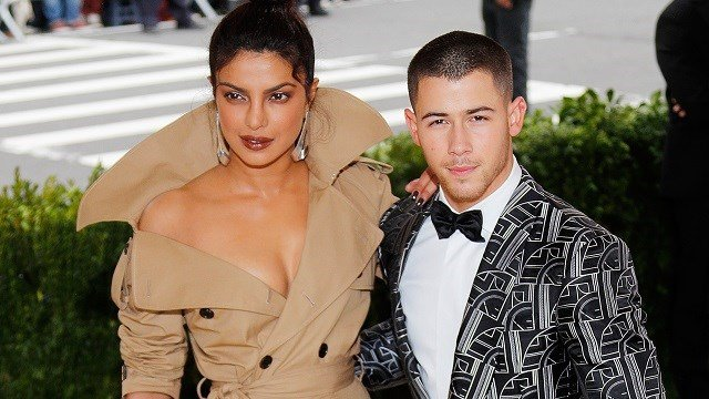 Priyanka Chopra and Nick Jonas attend 'Rei Kawakubo/Comme des Garçons:Art of the In-Between' Costume Institute Gala at Metropolitan Museum of Art on May 1, 2017 in New York City. (Photo by Jackson Lee/FilmMagic)