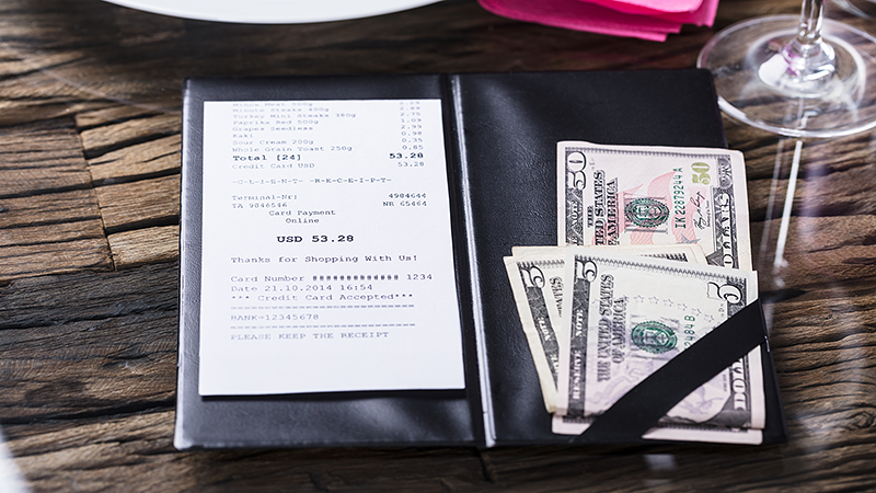 New challenge encourages customers to leave 100% tip on restaurant bill